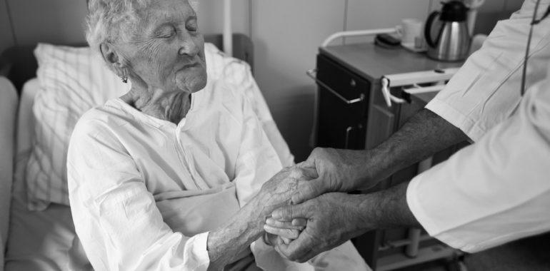 Kdo je a co dělá nemocniční kaplan?